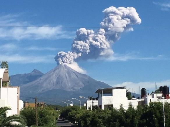 fuego_volcano_6.jpg