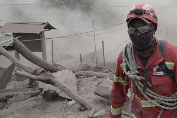 Guatemalan-volcano-erupts-again-forcing-evacuations.jpg